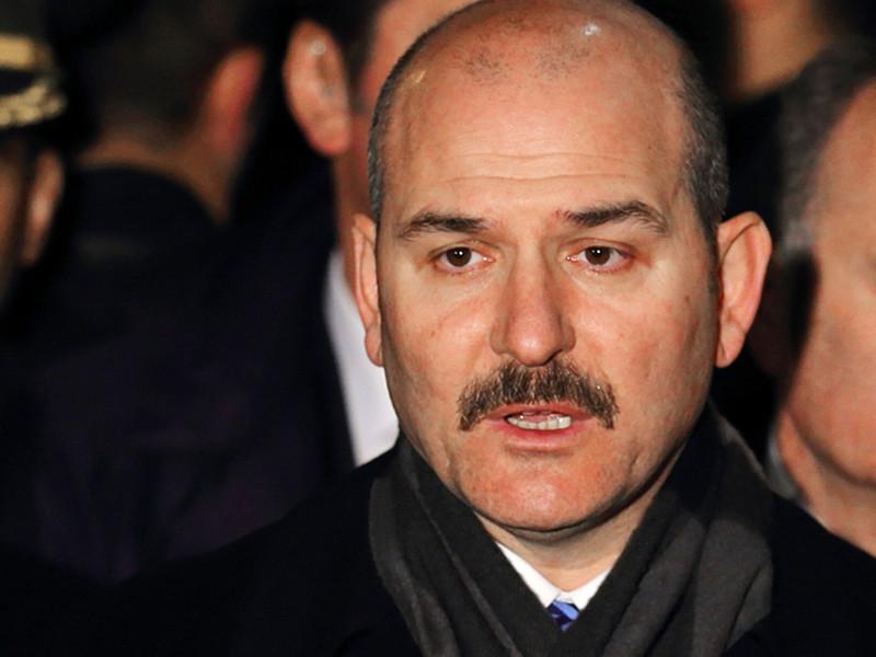 По словам министра внутренних дел страны Сулеймана Сойлу, в настоящее время под стражей остаются более 47 тыс. человек