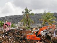 В столице Шри-Ланки гора мусора накрыла десятки домов: уже 16 погибших