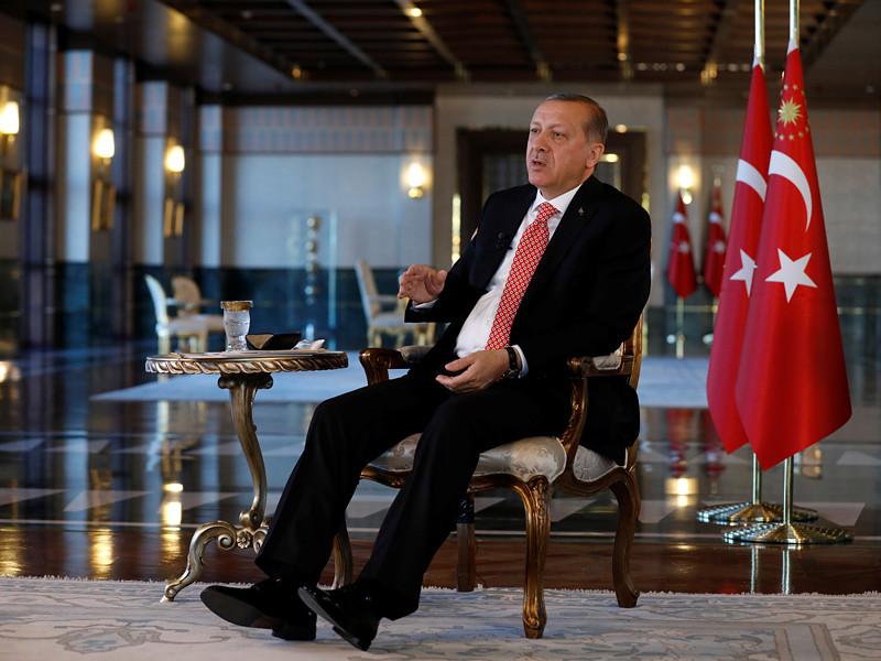 Президент Турции Реджеп Тайип Эрдоган в интервью агентству Reuters заявил о том, что решение сирийской проблемы и восстановление мира в стране невозможно при действующем главе государства Башаре Асаде