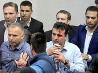 После драки в парламенте Македонии более 100 человек попали в больницы
