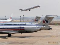 American Airlines отстранила от работы стюарда, ударившего женщину с ребенком коляской