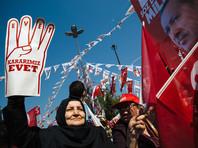 В волеизъявлении могут принять участие более 55 млн турок, имеющих право голоса. По стране открыто 145 тысяч участков