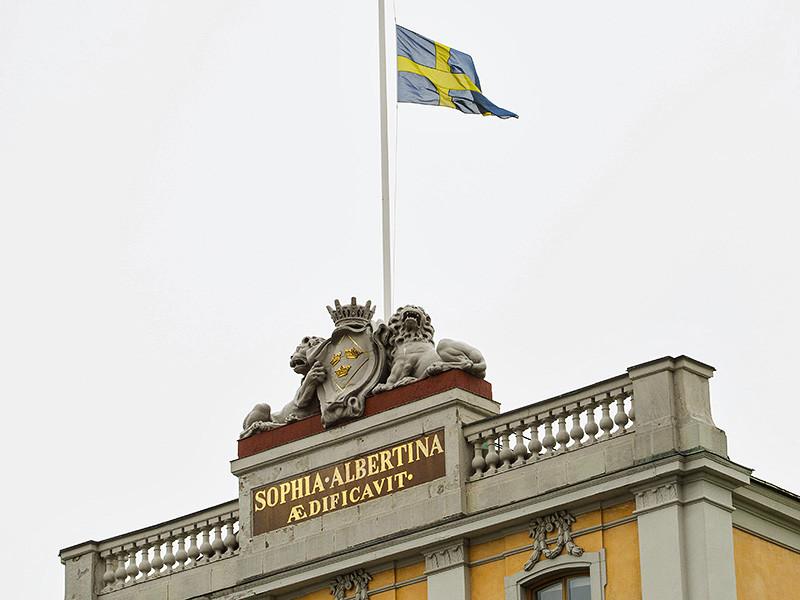 МИД Швеции вызвал в четверг посла РФ в королевстве Виктора Татаринцева, чтобы обсудить с ним ряд вопросов, в том числе информацию о преследовании геев в Чечне