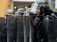 В Париже полиция применила слезоточивый газ для усмирения участников демонстрации