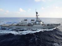 Эсминец США привел оружие в боеготовность при встрече с иранским катером