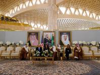 Президент США Дональд Трамп в ходе визита в Саудовскую Аравию заключил соглашение о поставке Эр-Рияду вооружения на сумму в 109,7 млрд долларов