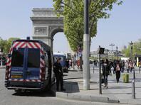 На Елисейских полях мужчина в женской одежде ограбил бутик Louis Vuitton