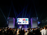 Согласно результатам экзит-поллов, проведенных совместно тремя южнокорейскими телекомпаниями - KBS, MBC и SBS, которые приводит агентство Yonhap, он получил 41,4% голосов