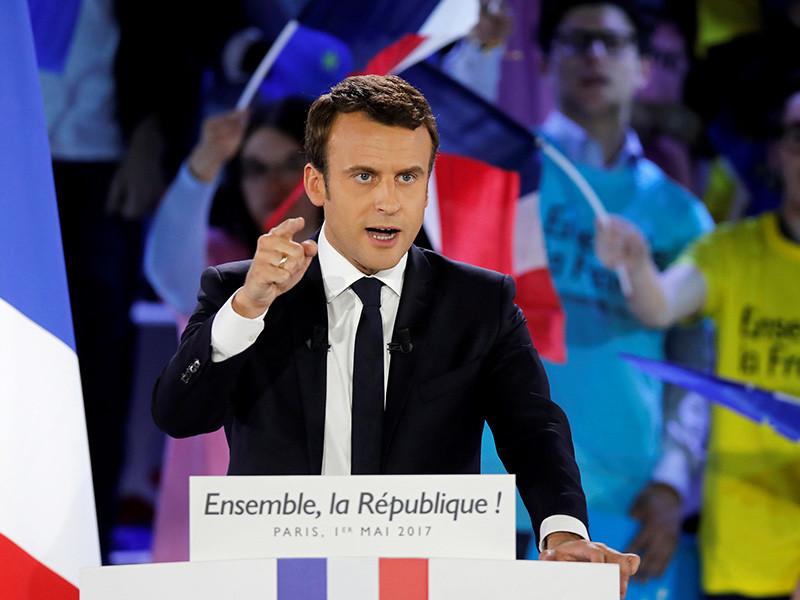 """Кандидат в президенты Франции, лидер движения """"Вперед"""" Эммануэль Макрон обратился в прокуратуру после распространения в интернете ложной информации о том, что у него имеется офшорный счет"""