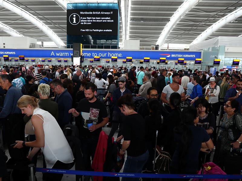 Авиакомпания British Airways после глобального компьютерного сбоя в субботу возобновляет полеты