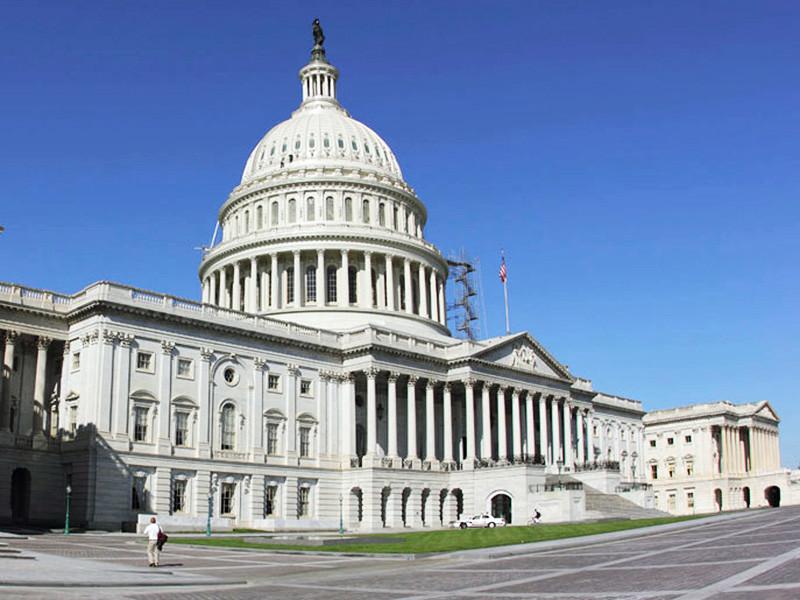 Комитеты по разведке обеих палат конгресса США получили доступ к важным данным, касающимся расследования возможных связей между бизнес-империей президента Дональда Трампа и Россией