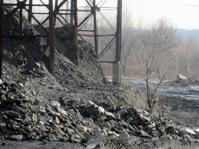 Министерство энергетики и угольной промышленности Украины обратилось в энергетическую таможню и государственную фискальную службу с просьбой конфисковывать уголь, который был добыт на территориях Донецкой и Луганской народных республик и импортируется в страну