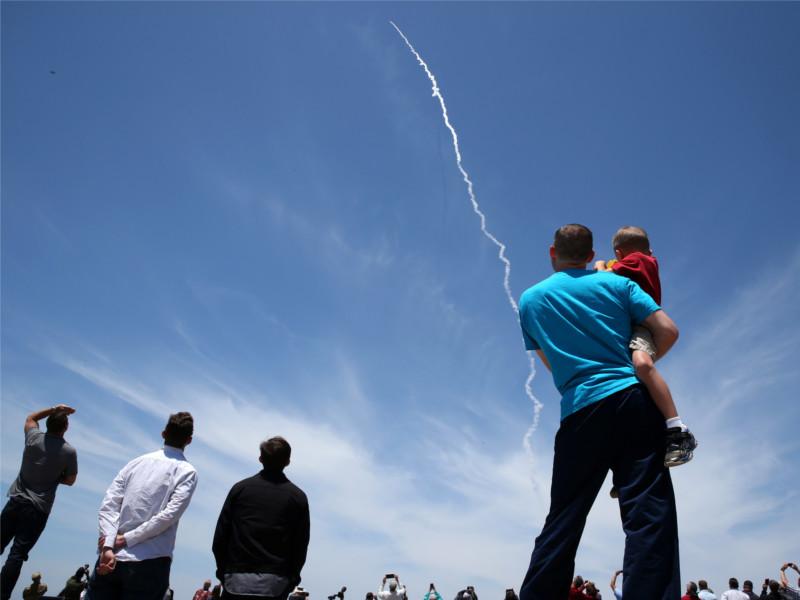 Запуск перехватчика с базы ВВС США в Калифорнии