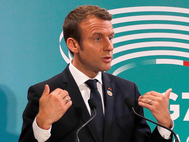 Президент Франции Эмманюэль Макрон заявил перед визитом во Францию российского президента Владимира Путина, что с уважением относится к России