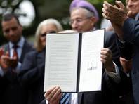 """Президент США Дональд Трамп подписал указ, ослабляющий введенный в 1954 году """"поправкой Линдона Джонсона"""" запрет на политическую деятельность для церквей и других организаций"""