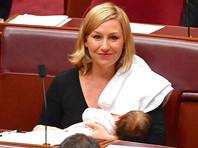 В Австралии сенатор во время заседания с гордостью покормила ребенка грудью и вошла в историю