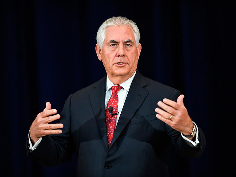 """Госсекретарь США Рекс Тиллерсон надеется на то, что переизбранный президент Ирана Хасан Рухани """"прекратит поддерживать терроризм"""" и добьется приостановки испытаний баллистических ракет"""