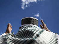 Лидер Национального движения по защите фетв Совета улемов Индонезии (GNPF-MUI) Бахтияр Насир назвал одной из важнейших проблем страны финансовое превосходство китайского этнического меньшинства над коренными жителями