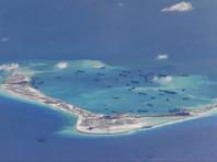Миноносец США прошел около спорных островов Спратли в Южно-Китайском море - впервые при Трампе
