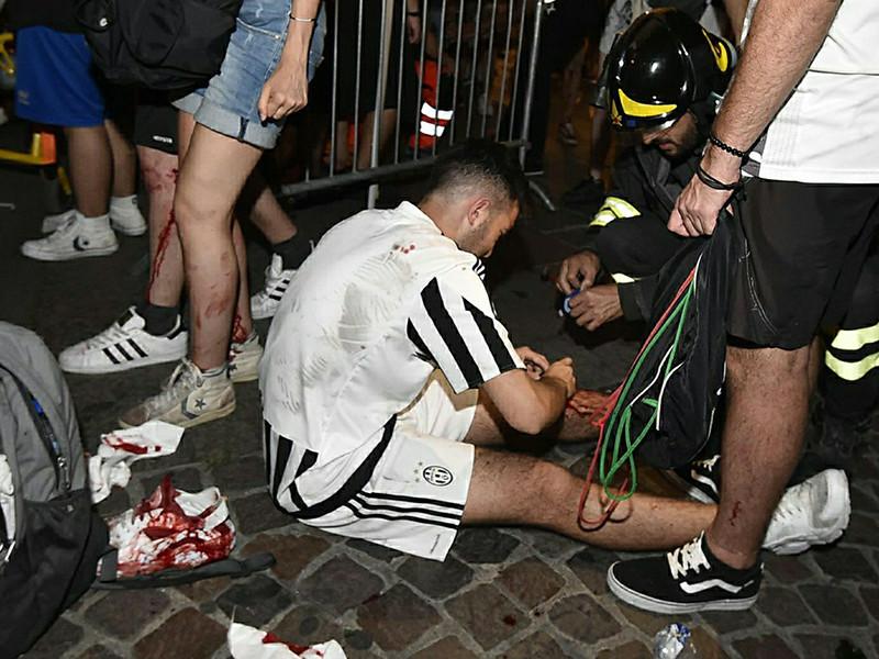 Давка в итальянском городе Турин во время просмотра финального матча футбольной Лиги чемпионов возникла из-за розыгрыша подростков, которые решили выдать себя за террористов-смертников