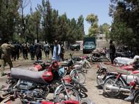 В Афганистане при взрыве возле банка погибли десятки человек