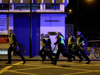 На Лондонском мосту микроавтобус наехал на пешеходов, есть жертвы
