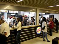 Сотруднику минского Burger King грозит штраф за то, что он ответил клиенту на русском языке