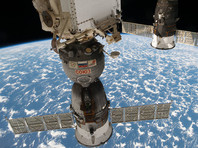 """Двое космонавтов, готовясь вернуться с МКС на Землю, перешли на борт """"Союза МС-03"""""""