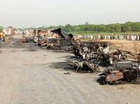 Среди жертв много женщин и детей: люди собрались разжиться топливом, вытекающим из цистерны