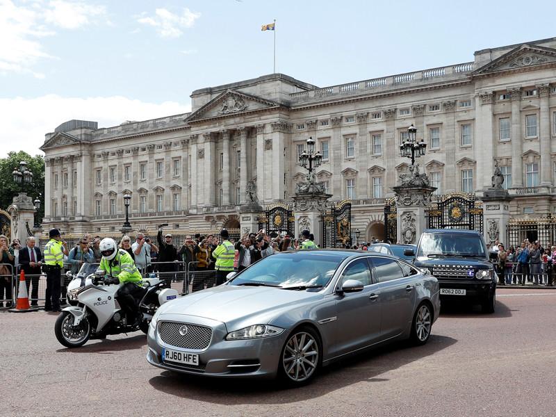 Премьер-министр Великобритании Тереза Мэй останется главой правительства несмотря на неудачу своей партии в досрочных парламентских выборах, которые прошли 8 июня