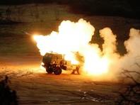 Американская высокомобильная ракетно-артиллерийская система оперативно-тактического назначения HIMARS является облегченной реактивной системой залпового огня, смонтированной на колесном шасси. Она может нести до шести реактивных снарядов РСЗО