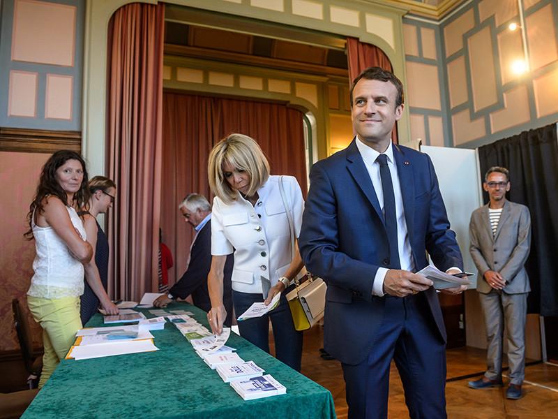 Партия Макрона победила в первом туре парламентских выборов во Франции