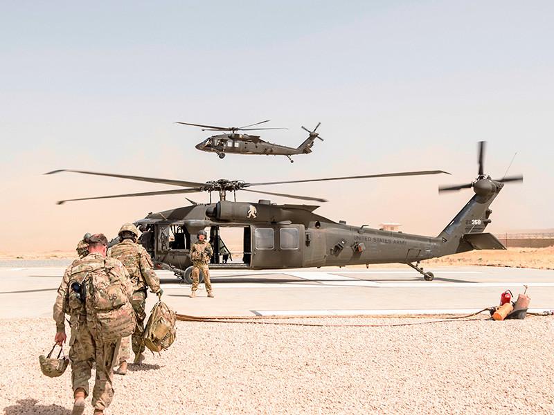 США увеличат численность своего воинского контингента в Афганистане на четыре тысячи человек. Об этом сообщает агентство AP со ссылкой на источник в администрации американского президента Дональда Трампа