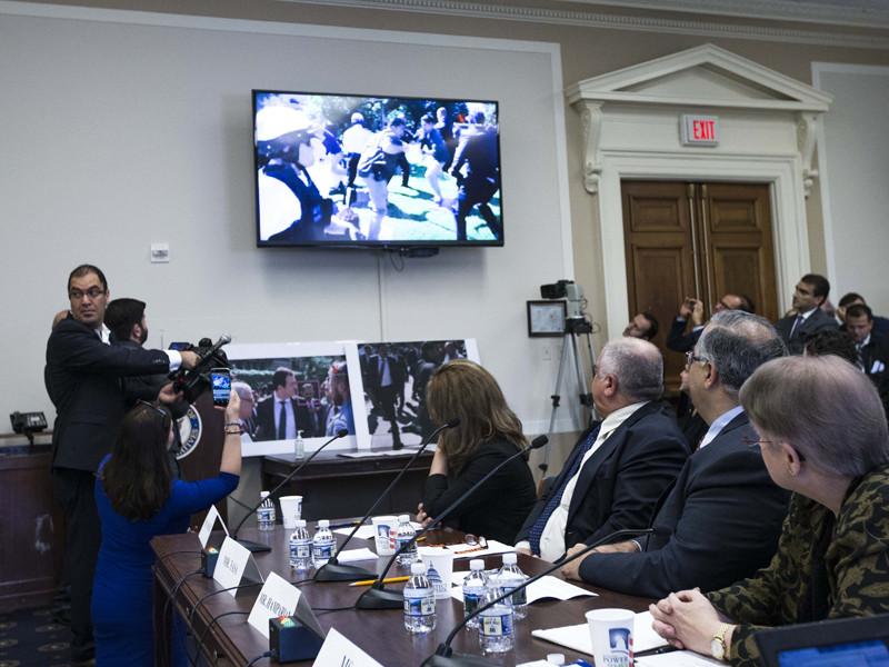 Во время визита президента Турции в США в мае произошла стычка между его охранниками и участниками акции протеста возле резиденции посла Турции в Вашингтоне