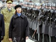 """Президент Эстонии заявила, что фашистов в страну """"откуда-то привозят"""" по заказу Кремля"""