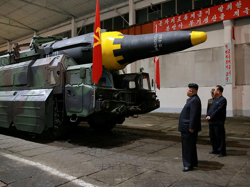 """Официальная газета Рабочей партии Северной Кореи """"Нодон синмун"""" объявила о готовности вооруженных сил страны нанести ядерный ракетный удар по континентальной части США"""
