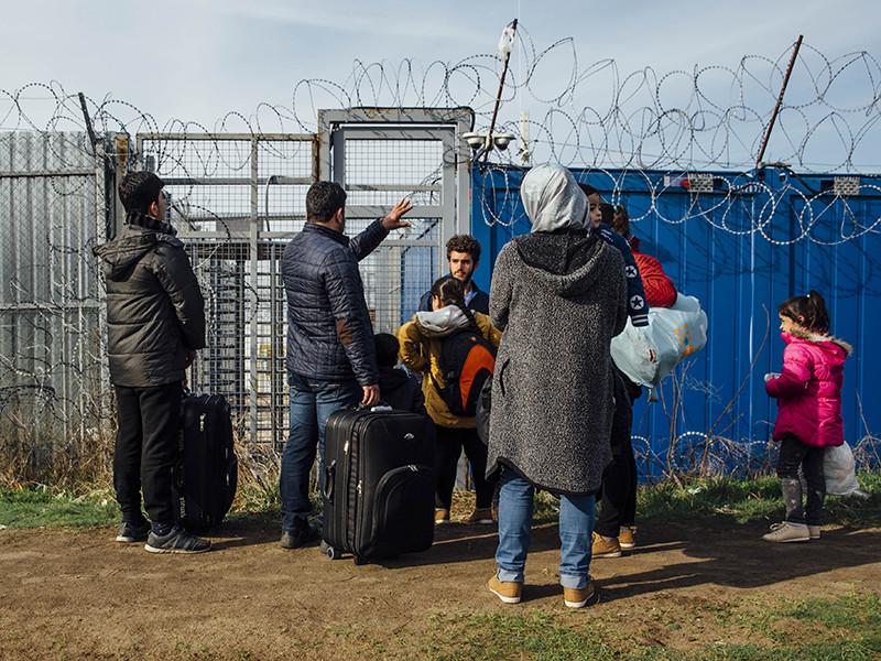 Еврокомиссия (ЕК) начала официальное расследование в отношении Венгрии, Польши и Чехии из-за отказа этих стран принимать мигрантов по обязательным квотам Евросоюза
