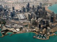 При этом подданным королевства запрещено отныне посещать Катар, катарцы, находящиеся на Бахрейне, обязаны покинуть его в течение 14 дней, теперь им будет отказано во въезде в эту страну и транзите через ее территорию