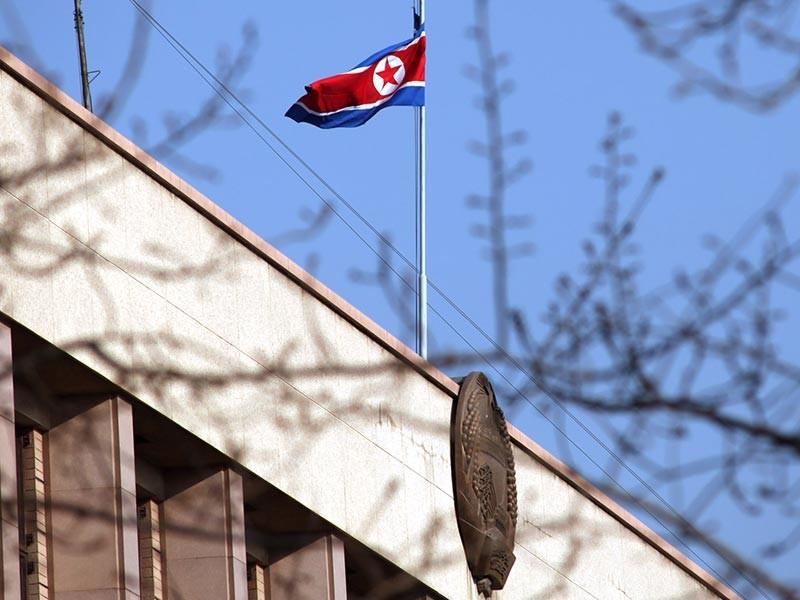 """Власти КНДР освободили 22-летнего американского студента Университета Вирджиния из Цинциннати Отто Вомбиера, сорвавшего со стены в гостинице политический плакат и осужденного после этого на 15 лет тюрьмы за """"подрыв единства корейского народа"""""""