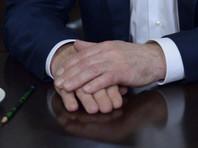 Чтобы президент РФ показался более человечным, были выбраны соответствующие ракурсы съемки: камера задерживала свой взгляд на его стареющих руках, на лысине
