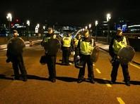 Полиция сообщила, что подозреваемых было трое и все они были убиты прибывшими на место происшествия полицейскими