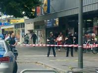 В Гамбурге неизвестный мужчина с ножом напал на посетителей супермаркета