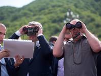 Порошенко в компании президента Грузии осмотрел в бинокль российскую базу в Южной Осетии и сравнил ситуацию в республике с Донбассом (ФОТО, ВИДЕО)
