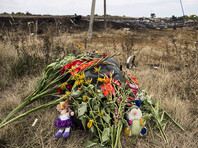 """Среди 298 жертв катастрофы было много австралийцев, и страна участвует в работе международной следственной группы, которая сделала вывод, что лайнер был сбит из ЗРК """"Бук"""", доставленного с территории России"""