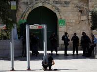 """""""Умрем шахидами"""": израильская полиция разогнала толпу арабов, протестовавших из-за металлодетекторов"""