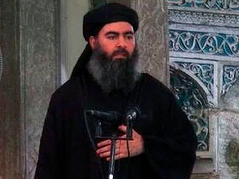 Абу Бакр аль-Багдади жив и скрывается в сирийской провинции Дейр-эз-Зор на востоке страны, сообщает арабская газета Al-Quds Al-Arabi
