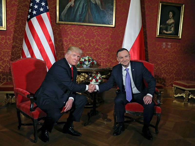 Президент США Дональд Трамп прибыл с официальным визитом в Польшу. Здесь он примет участие в переговорах с главой республики Анджеем Дудой и выступит с первой публичной речью в Европе, после чего отправится на саммит G20 в Германию