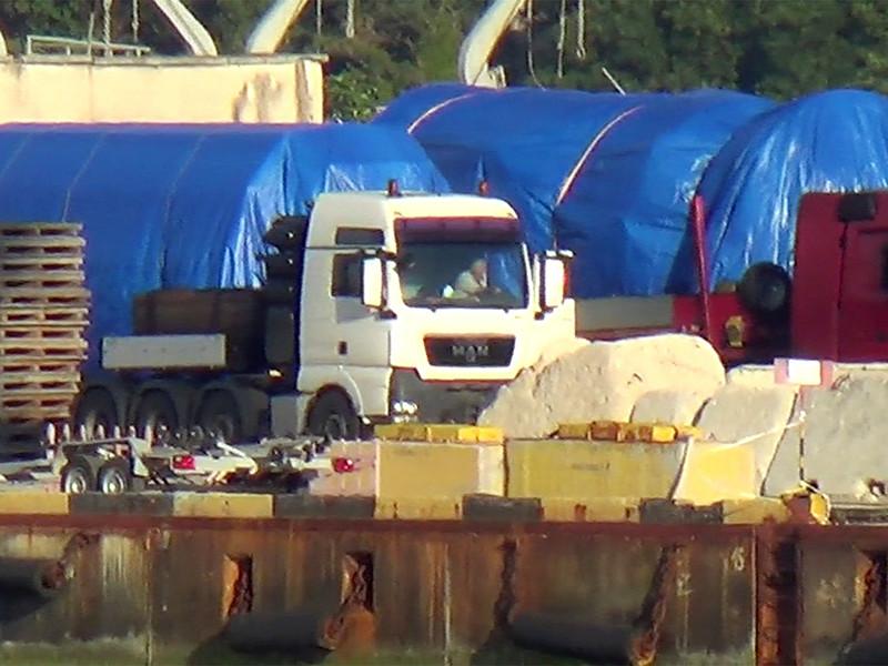 Послы 28 стран Евросоюза согласовали введение санкций против четырех физических и трех юридических лиц из России из-за скандала вокруг поставки в Крым турбин Siemens
