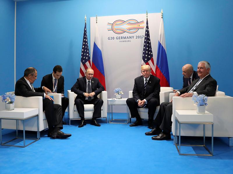 Президент России Владимир Путин заверил американского коллегу Дональда Трампа в том, что РФ не вмешивалась в выборы президента США осенью 2016 года