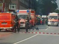 В результате нападения по меньшей мере один человек погиб и несколько получили ранения различной степени тяжести